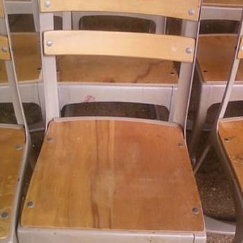 Vintage school chair ? - Furniture