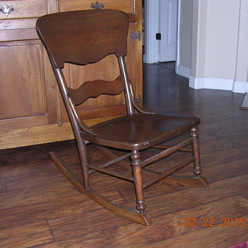 Old youth rocking chair. Not sure of age. - Furniture