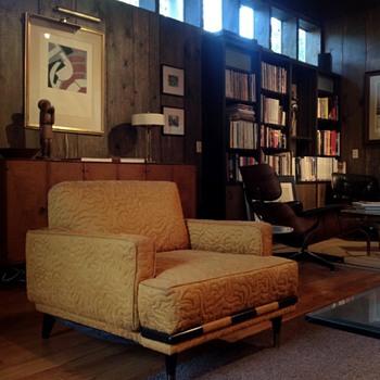 Mid Century Modern Club Chair - Hollywood Regency - Mid-Century Modern