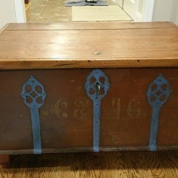 Scandinavian Wedding Trunk? - Furniture