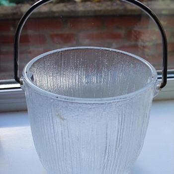 Scandinavian glass ice bucket