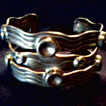 Large Mexican Sterling Silver Cuff Bracelet / Marked .925 /Circa 20th Century - Fine Jewelry