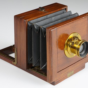 A Beautiful 1880s Mahogany Presentation Camera