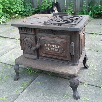 Little Jewel Stove - Kitchen