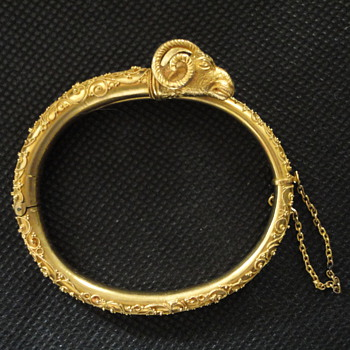 Etruscan Archaeological Revival Ram's Head Gold Bracelet, Rome 1860 - Fine Jewelry