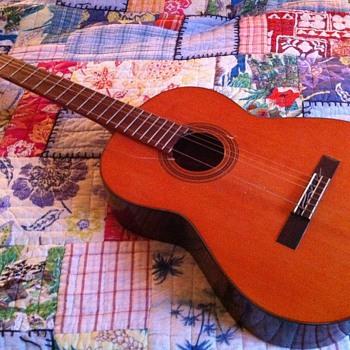 1969-1972 Yamaha G-50 A Classical Guitar - Guitars