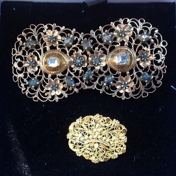 Two Georgian gold filigree brooches - Fine Jewelry