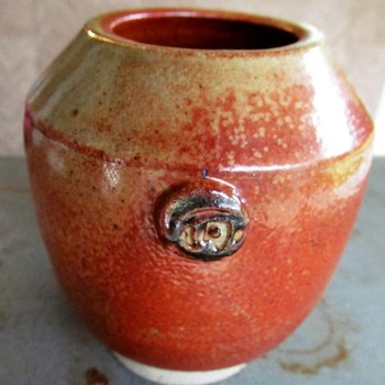 Yunomi bowl / small vase. Wood fired. Help identifying it. - Pottery