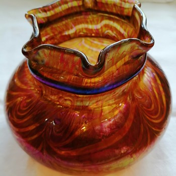 Fritz Heckert 'Changeant' Form TH 128 - Art Glass