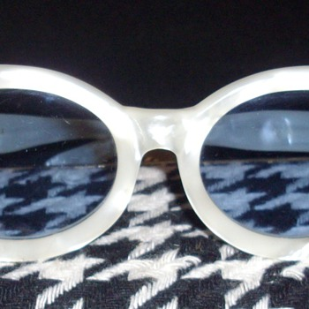 Vintage sunglasses. - Accessories