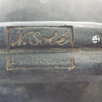 need help identifying pottery  - Pottery