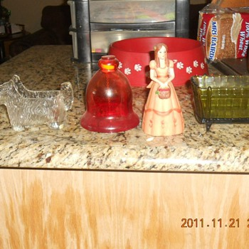 Items my mom had and not sure what they are or where they came from - Glassware