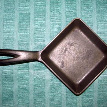 Griswold Square Egg Skillet - Kitchen