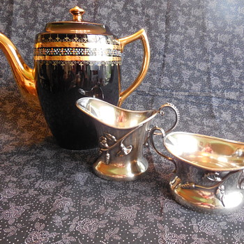 Vintage Gibsons England Earthenware Coffee/Serving Pot A664 and Cincinnatus Quadruple Plate Creamer and Sugar - Pottery