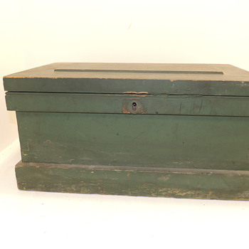 American Tool Box in Green Paint - Mid-Late 19th century