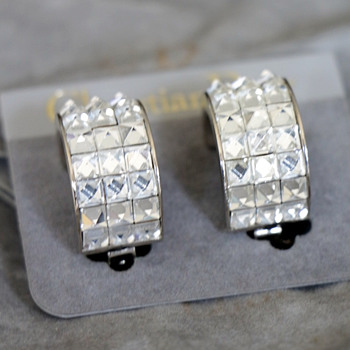Christian Dior earrings silver tone metal and crystal stones,Glam vintage.  - Costume Jewelry