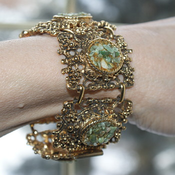 Vintage Brass and Aventurine Stone Chips Bracelet  - Costume Jewelry
