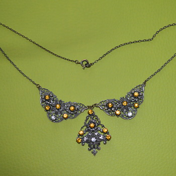 Vintage filigree necklace - Costume Jewelry