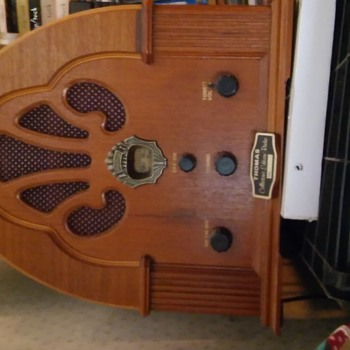 Restored tube(?) radio