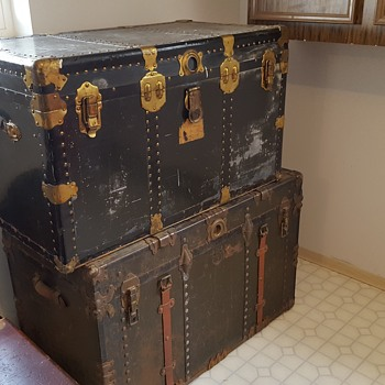 Unknown chests.. possibly brought over from England - Furniture