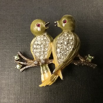 Kramer lovebirds brooch  - Animals