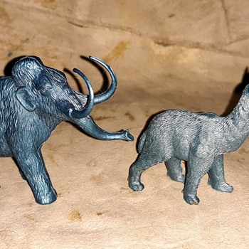 MPC Prehistoric Animals Macrauchenia and Woolly Mammoth - Animals