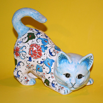 Handmade/Painted Ceramic Floral Cat - Figurines
