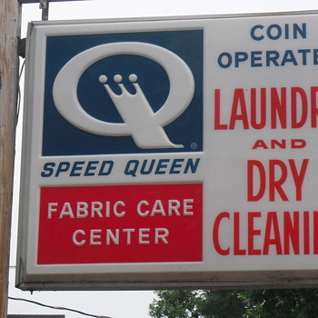 Light up laundromat sign