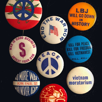 Great Anti-Vietnam War Cause Pinback Group  - Medals Pins and Badges