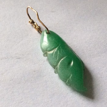 Small carved stone - Fine Jewelry