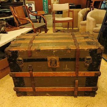 """Super Cool Antique Steamer Trunk - Marked """"Sterling Trade Mark"""" - Furniture"""