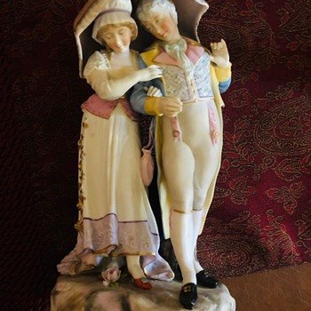 Couple under the umbrella figurine - Figurines