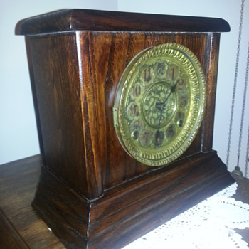 Antique clock late 1800s I think - Clocks