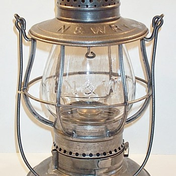 Norfolk & Western RY Railroad Lantern