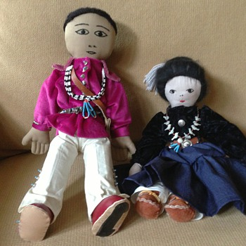 Native American dolls with jewelry - Dolls