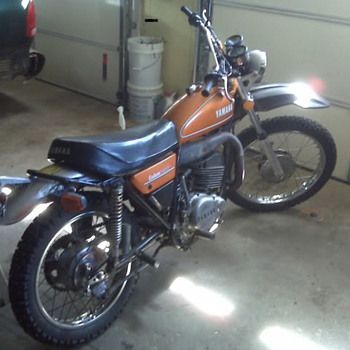 MY DT250A - Motorcycles