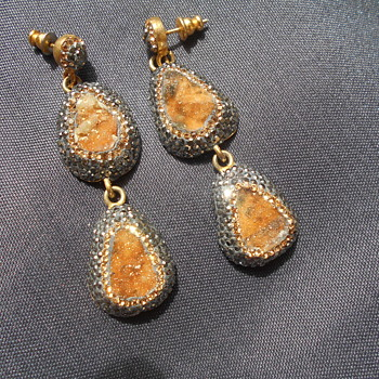 Chandelier earrings - Costume Jewelry