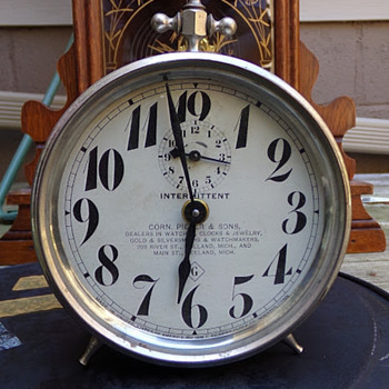 Advertising Alarm Clock Circa 1910s - Clocks