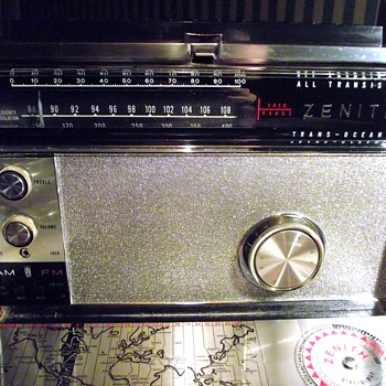 1966-radios-zenith transoceanic royal 3000-1. - Radios