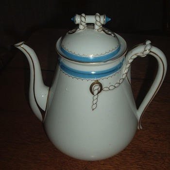 Antique Havilland Coffee/Teapot...Wedding Ring pattern...but Blue? - China and Dinnerware