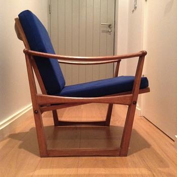 M. Nissen oak armchair