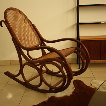 Mundus-Thonet-Kohn rocking chair