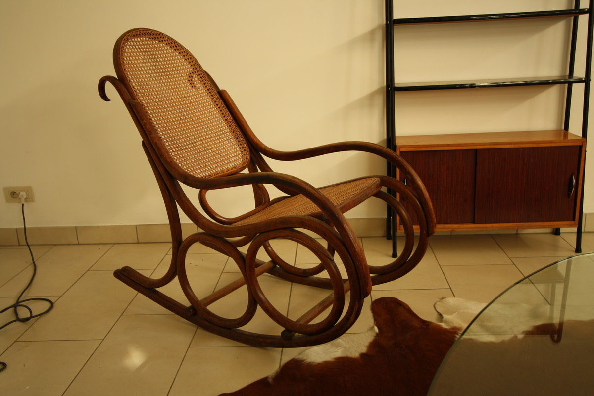 mundus thonet kohn rocking chair collectors weekly. Black Bedroom Furniture Sets. Home Design Ideas