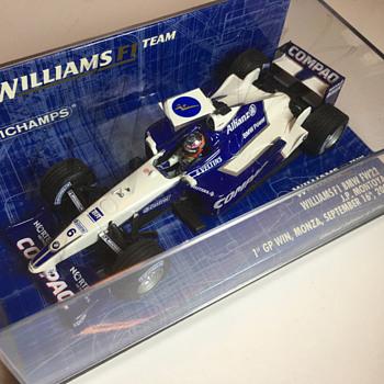 Minichamps Williams FW23 2001 Juan Pablo Montoya 1/43 - Model Cars