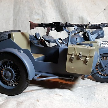 21st Century Toys Ultimate Soldier German Motorcycle With Sidecar Unboxed! - Model Cars