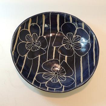 Handcrafted Mid-Century Modern Bowl - Pamela Black Paradise Pottery - Cape Cod MA - Mid-Century Modern