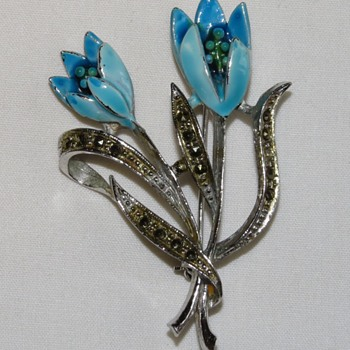 Vintage Enamelled Brooch Boxidge Brothers - Costume Jewelry