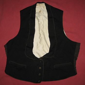 Antique Men's Victorian or Edwardian Waistcoat - Victorian Era