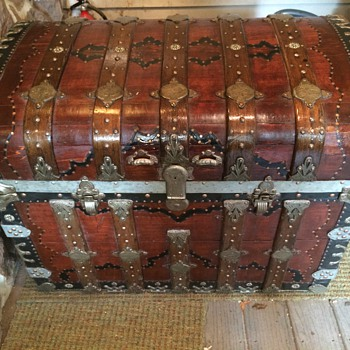 Round top Trunk Pat.1875 Another Trunk'n tool box - Furniture