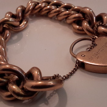 9 Carat gold antique bracelet